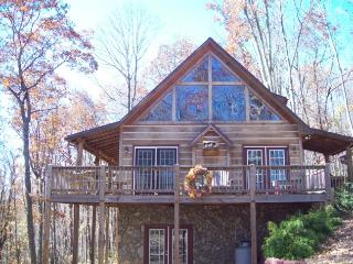 Bear's Den_Cabin_Wooded Setting_Mountain Views_Private_Game Room_Jacuzzi - Fleetwood vacation rentals