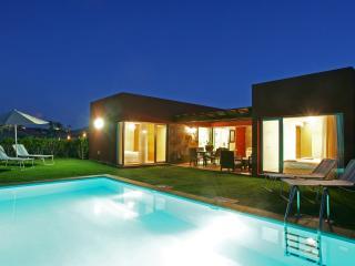 Comfortable 2 bedroom Villa in Maspalomas - Maspalomas vacation rentals