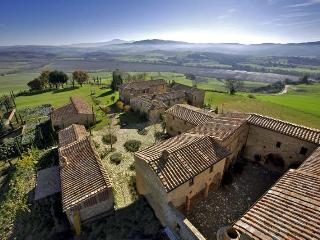 Borgo Finocchieto - Full property, Sleeps 4 - Montalcino vacation rentals