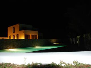 Beautiful Villa with Dishwasher and Garden in Calhau - Calhau vacation rentals