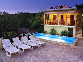 Charming 2 bedroom Villa in Vela Luka with Internet Access - Vela Luka vacation rentals
