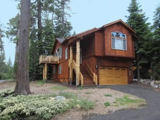 Spacious 4 bedroom House in Tahoma with Internet Access - Tahoma vacation rentals