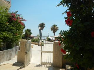 Romantic 1 bedroom Sampieri Condo with A/C - Sampieri vacation rentals