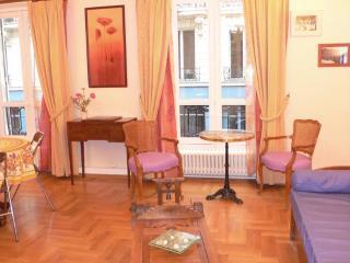 342 Two bedrooms   Paris Louvre district - Ile-de-France (Paris Region) vacation rentals