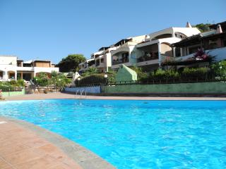 Nice 2 bedroom Apartment in Lu Bagnu with Television - Lu Bagnu vacation rentals