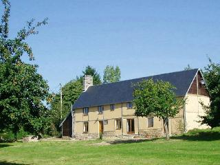 5 bedroom Farmhouse Barn with Internet Access in Avranches - Avranches vacation rentals