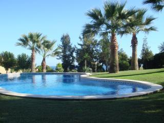 Maison duplex dans résidence avec grand jardin - Segur de Calafell vacation rentals