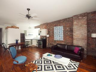 Modern Art + 2 bdrm-Skylit Loft-5 min Times Squ - Long Island City vacation rentals