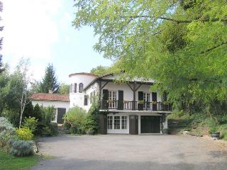 4 bedroom House with Internet Access in Sainte Foy-la-Grande - Sainte Foy-la-Grande vacation rentals