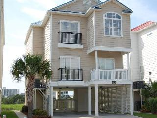 5 bedroom, 4 bath, private house w/private pool, sleeps 14 - North Myrtle Beach vacation rentals