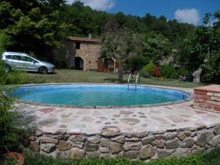 casa julia con giardino e piscina privati - Chianni vacation rentals