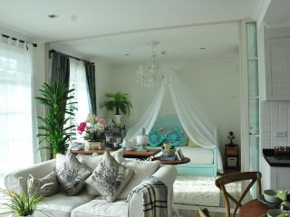 2 bedroom Condo with A/C in Hua Hin - Hua Hin vacation rentals