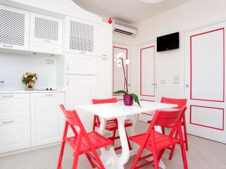 Residence al Porto - Begonia - B - Mattinata vacation rentals