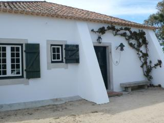 Spacious Sesimbra vacation Farmhouse Barn with Internet Access - Sesimbra vacation rentals