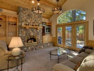 Stunning 3BR South Lake Tahoe Home w/Game Room & Private Hot Tub - 3 Blocks to Lake Tahoe! - South Lake Tahoe vacation rentals