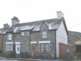 Bwthyn yr Eglwys: Snowdonia on the Doorstep- 58733 - Dolwyddelan vacation rentals