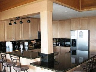 Remodeled 3+Loft/4, Ski-in, Ski-out townhome at Eagle Lodge - Mammoth Lakes vacation rentals