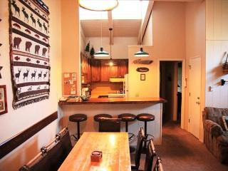 4bed/3bath, On Shuttle Route, Central Location - Mammoth Lakes vacation rentals