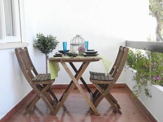 Lovely Condo with Internet Access and Dishwasher - Cascais vacation rentals