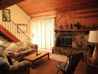 2 Bed + Loft/3 Bath, Sleeps up to 8, Awesome Amenities - Mammoth Lakes vacation rentals