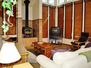 1 Bedroom + Loft/2 Bathroom, Great Value, Centrally Located - Mammoth Lakes vacation rentals