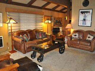 3 Bedroom/2 Bathroom, Pet-Friendly Unit, Internet Included - Mammoth Lakes vacation rentals