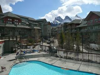 Canmore Vacation Rental with Mountain Views + Pool - Canmore vacation rentals