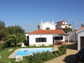 Bright 5 bedroom Torres Vedras Villa with Satellite Or Cable TV - Torres Vedras vacation rentals