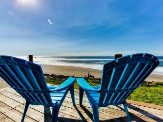 Cozy oceanfront & dog-friendly cottage w/ great views & a private hot tub! - Gleneden Beach vacation rentals