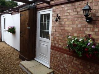 Nice Cottage with Internet Access and Dishwasher - North Elmham vacation rentals