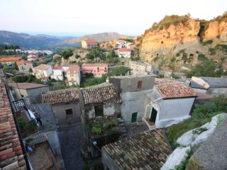 Bright 4 bedroom House in Pietrapaola - Pietrapaola vacation rentals