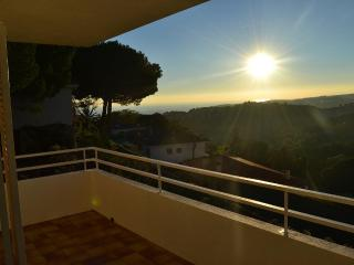 Enjoy sea views & lots of sun - Sant Pol de Mar vacation rentals