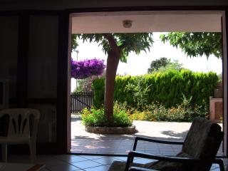 Nice house with private garden - Oristano vacation rentals