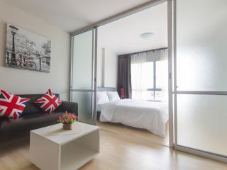 Stay near Patong, dCondo Kathu Patong - RFH000585 - Patong vacation rentals