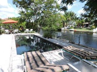 Villa de Paz - Hollywood vacation rentals