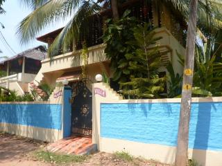 English owned WI-FI -free pick up ,& food basket. - Kovalam vacation rentals