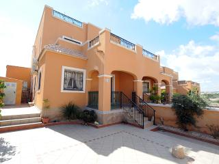 Super family house on Dream Hills II No. 508 - now with fibre-optic wifi and tv - Torrevieja vacation rentals