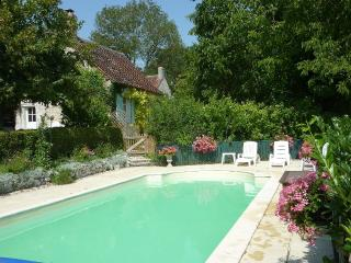 Lovely Studio with Internet Access and A/C - Chaumussay vacation rentals