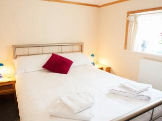 Bright 2 bedroom Sway Condo with Internet Access - Sway vacation rentals