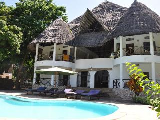 Perfect 5 bedroom Galu Villa with Balcony - Galu vacation rentals