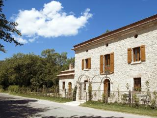 Beautiful 6 bedroom Bed and Breakfast in Frosinone - Frosinone vacation rentals