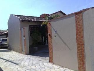 Confortavel Studio Classe A em Florianopolis - Florianopolis vacation rentals