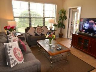 3 Bed Luxury Condo On Ground Floor. 914CP-114 - Orlando vacation rentals