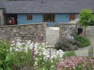 Cranberry Cottage, Pet-Friendly, wifi, log burner - Church Stretton vacation rentals