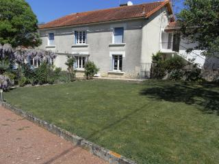Buffageasse House - Saint Jean d'Angely vacation rentals