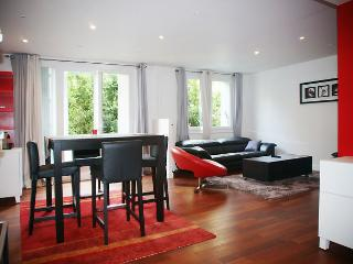 Nice 2 bedroom Paris House with Internet Access - Paris vacation rentals