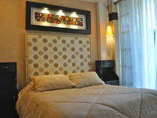 Business Suite BEIGE near Reforma Avenue - Mexico City vacation rentals
