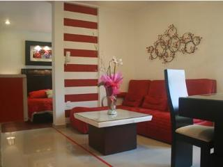 Business Suite RED near Reforma Avenue - Mexico City vacation rentals