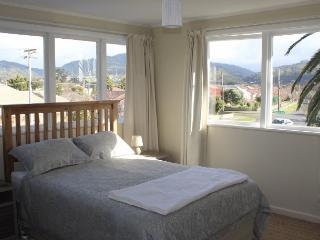 Light, modern, furnished apartment close to shops - Upper Hutt vacation rentals