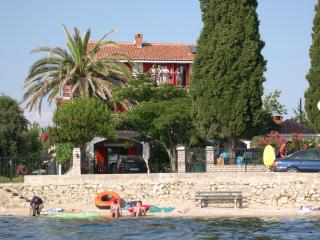 Plazs41-Apartment 4. (6person) - Sukosan vacation rentals